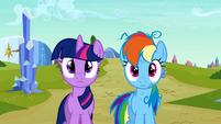 Twilight and Rainbow Dash blank expression S3E12