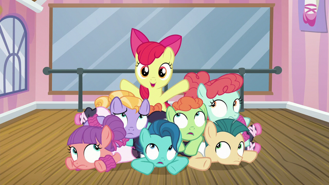"File:Apple Bloom ""with my new group of friends"" S6E4.png"