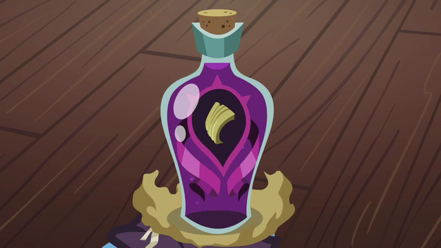 File:Dragon toenail bottle S06E08.png