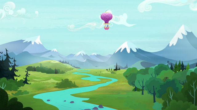 File:Twinkling Balloon soars over Equestria S5E23.png
