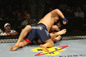 Ufc102 04 russow vs mccully 001
