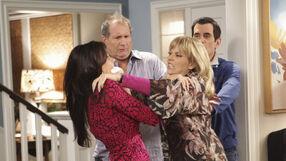 Gloria and DeDe fight