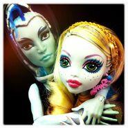 Diorama - united water couple