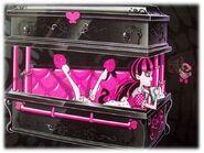 Box art - Draculaura writing in bed