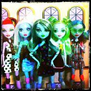 Diorama - SKRM quintet v-formation