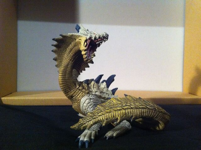 File:Lagiacrus Sub Figurine (Normal).jpg