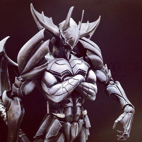 File:Play Arts Kai-Tetsuya Nomura Monster Hunter 4 Ultimate Collaboration Figure 002.jpg