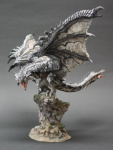 File:Capcom Figure Builder Creator's Model Silver Rathalos 001.jpg