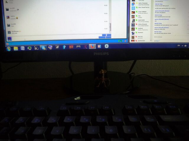 File:Art Desktop And Kut Ku 3.JPG