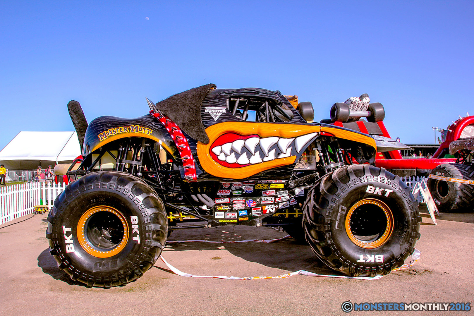 monster mutt rottweiler monster trucks wiki fandom powered by wikia. Black Bedroom Furniture Sets. Home Design Ideas