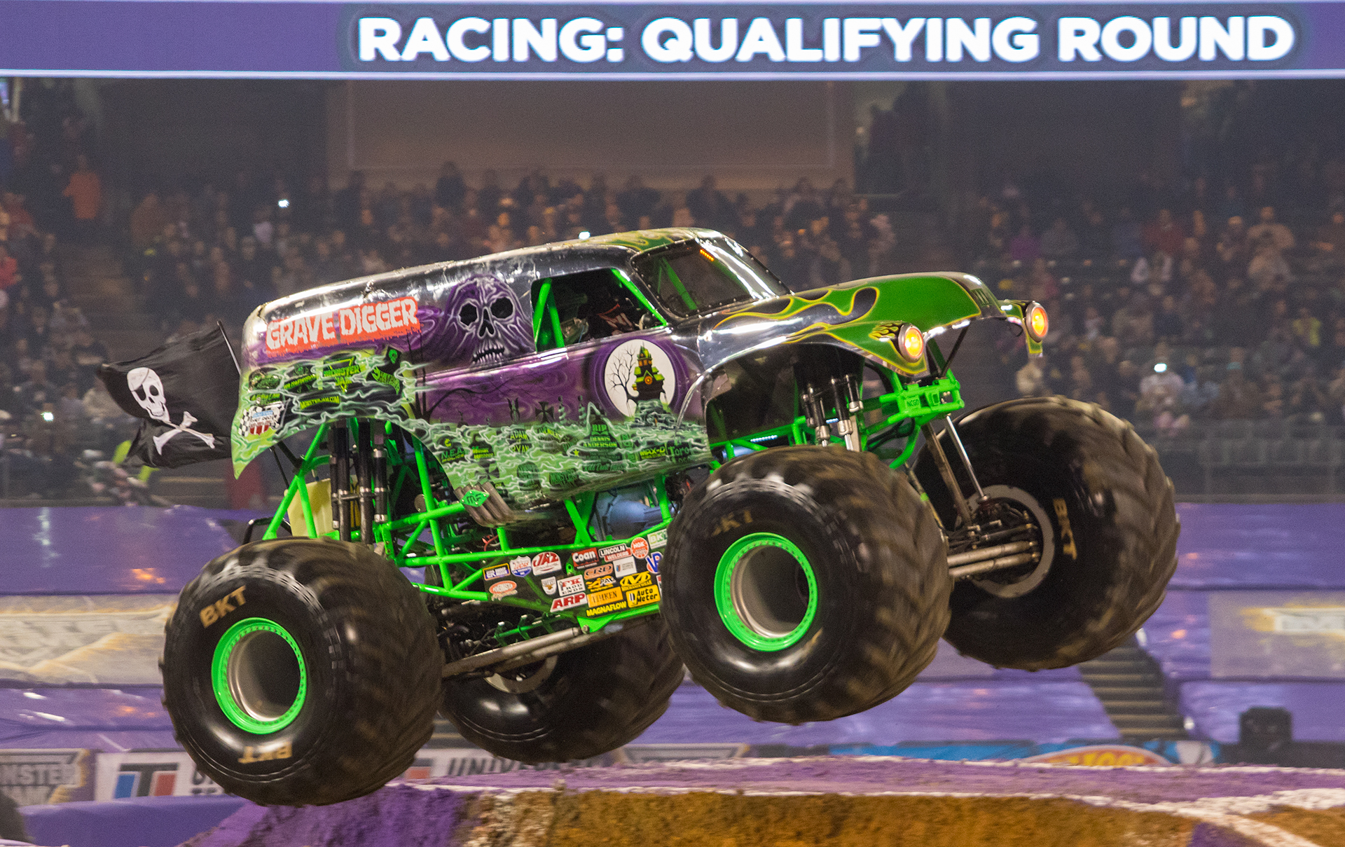 grave digger 30 monster trucks wiki fandom powered by wikia. Black Bedroom Furniture Sets. Home Design Ideas