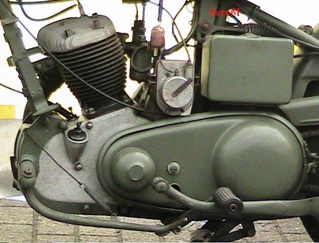 Datei:Antrieb lS Estafette 1951 Belgien 2008.JPG