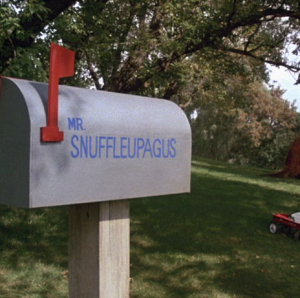 File:Snuffymailbox.jpg