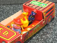 Child guidance muppet miniatures sesame pvc fire truck 2