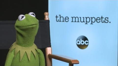 Entertainment Tonight Kermit the Frog Spills About Miss Piggy Split