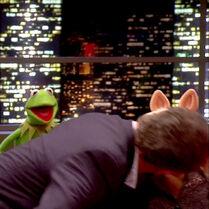 TheJonathanRossShow-Kiss-Piggy&HughBonneville-(2012-01-25)