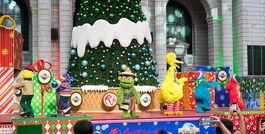 Ussingapore dec 2013 sesame street saves christmas show 1