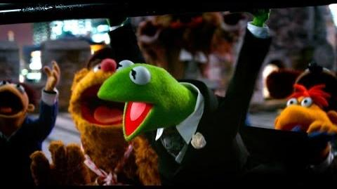 Muppets Most Wanted - Across The Internet
