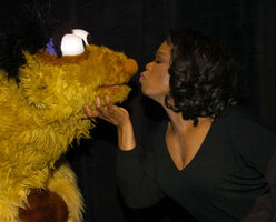 Mos oprah kiss