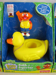 Fisher-price 2010 bath squirter ernie