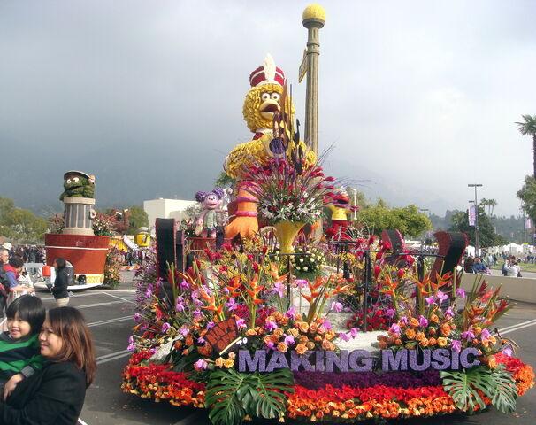 File:Roseparade2009a.jpg
