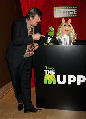 Stephenfry muppets2012