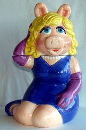 Treasure craft cookie jar miss piggy 1