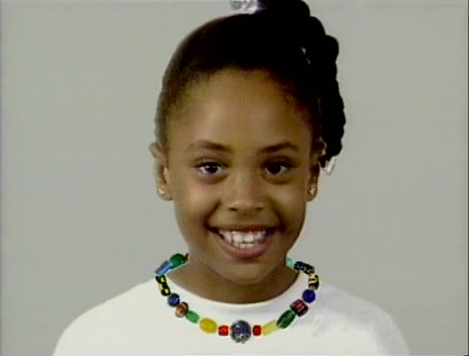 File:Girlnecklace.jpg