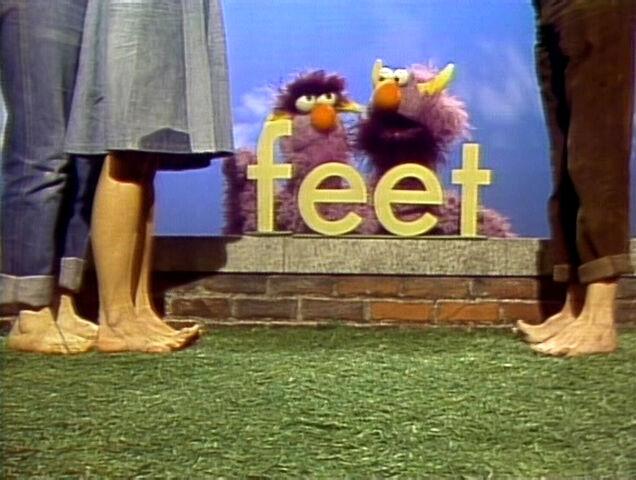 File:2head.Feet.jpg