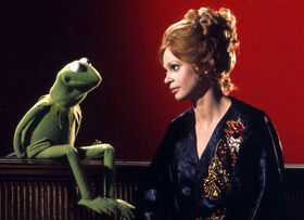 Juliet Prowse and Kermit