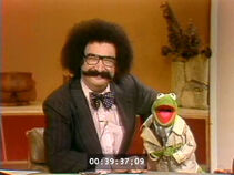 Today-ReporterKermit&GeneShalit-04-(1977-01-12)