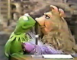 Kiss Kermit and Piggy Tonight Show 1979