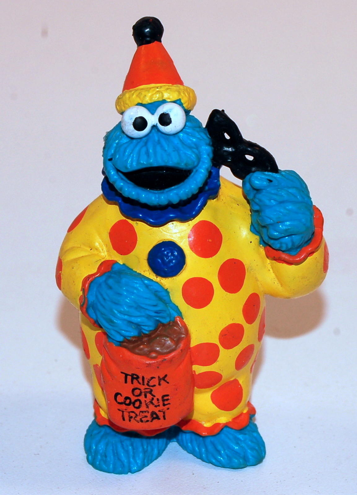 File:ApplauseCookieTrickorTreat.jpg