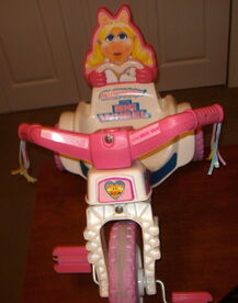 Empire little big wheel 1982 miss piggy 4