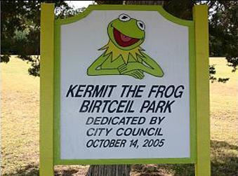File:KermitPark.JPG