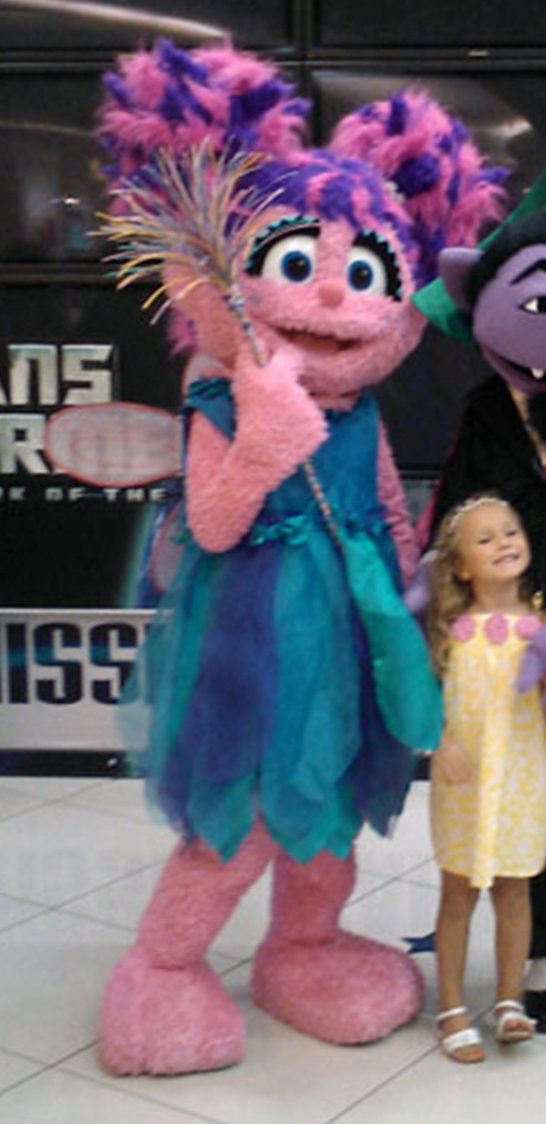 File:Sesame Street Christmas Makes Magic preview at YewTee Point.jpg