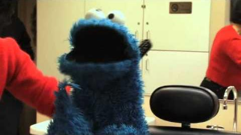 Cookie Monster Behind-the-Scenes at The Dr