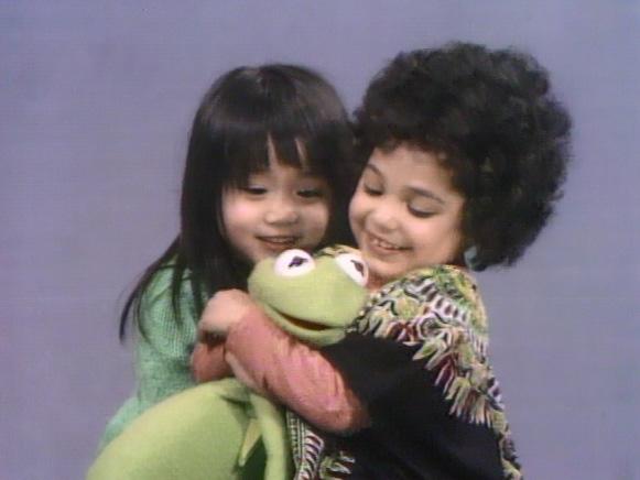 File:Kermit.Shola.Fannie.nextto.jpg