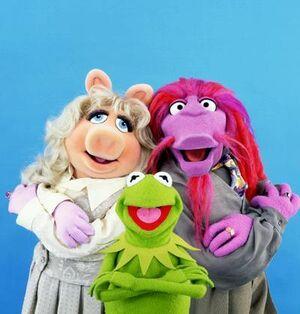 MuppetsTonight-PiggyKermitClifford