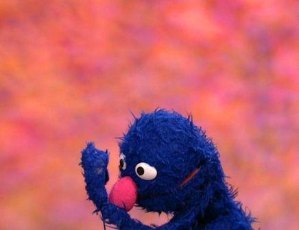 File:Groversneezing.jpg