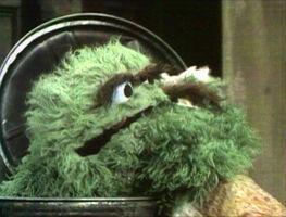 SesameStreet-MuppetKiss-GrannyGrouch&Oscar