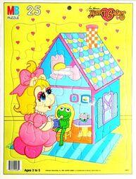 MB1987MuppBab25pcDollhouse
