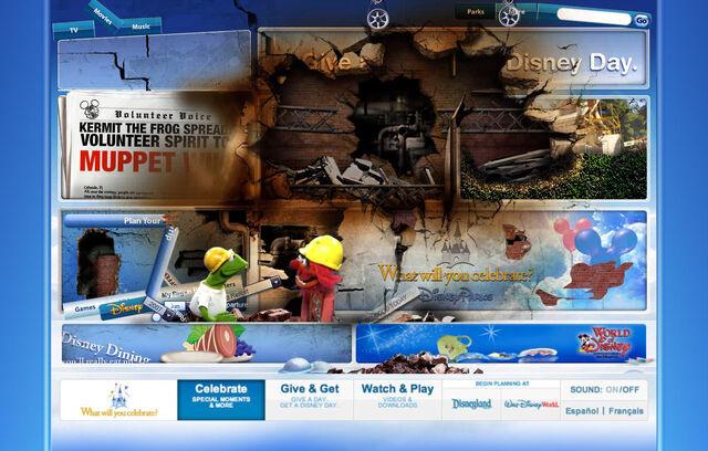File:Disneyparksgive.com-17.jpg