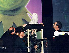 File:Muppetfestmrtinkles.jpg