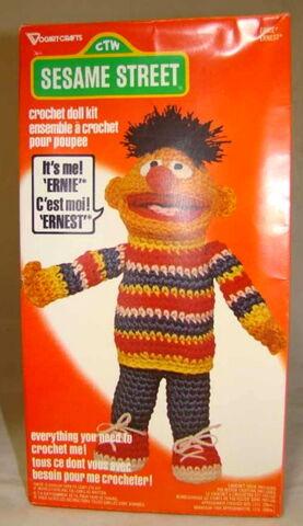 File:Vogart crochet ernie 1979a.jpg