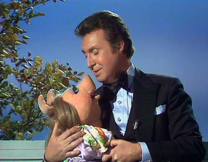 File:Duet with Miss Piggy.JPG
