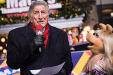 Miss piggy tony bennett