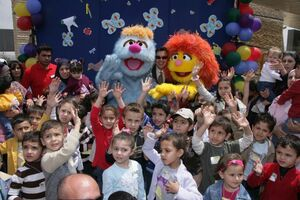 Hikayat Simsim Jordan walkarounds with kids