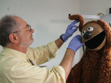File:Working on Rowlf.jpg
