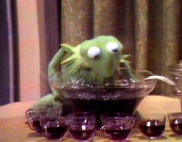 File:Kermit drinking.jpg